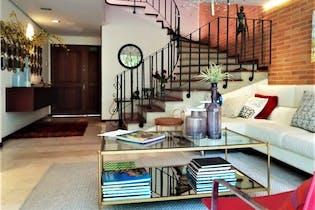Casa en El Campestre, Poblado - 272mt, dos niveles, tres alcobas