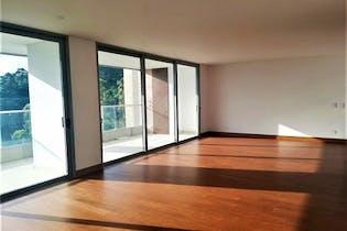 Apartamento en El Tesoro, Poblado - 217mt, tres alcobas, balcon