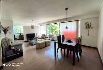 Apartamento en Las Lomas, Poblado - 148mt, cuatro alcobas, balcon