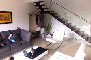 Casa en La Calleja, Envigado - 171mt, dos niveles, tres alcobas
