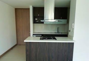 Apartamento en El Esmeraldal, Envigado - 93mt, tres alcobas, balcon