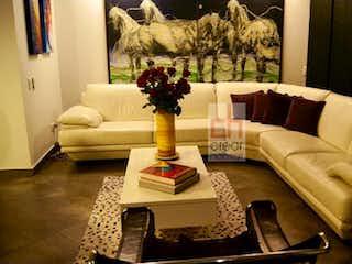 Una sala de estar llena de muebles y un sofá en Apartamento en Portales del Norte-Britalia Norte, con 3 Alcobas - 161 mt2.