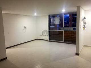 Un cuarto de baño con una puerta de ducha de cristal en Apartamento en la Estrella, Con 2 habitaciones-68mt2