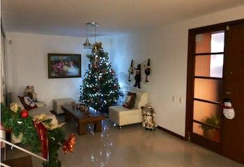 Casa en Loma de Benedictinos,Envigado, 215 mts2-3 Habitaciones