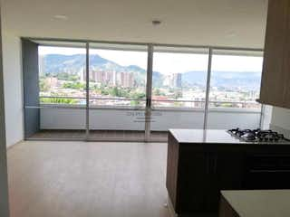 Un cuarto de baño con lavabo y una ventana grande en Apartamento en venta en La Aldea de tres habitaciones