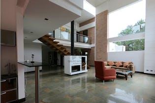 Casa en venta en Envigado, El salado. Con 4 habitaciones-5800mt2