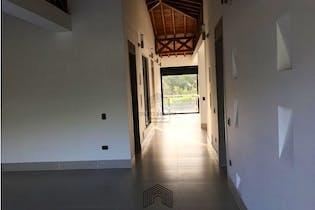 Casa en venta en San Jeronimo de 946mts2, dos niveles