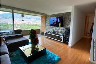 Apartamento en venta en Carlos E. Restrepo con 3 Habitaciones