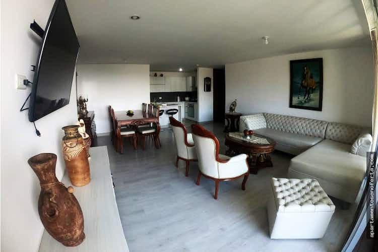 Portada Apartamento en venta en Loma del Atravezado con 4 Habitaciones