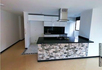 Apartamento en venta en Los Balsos de 3 hab. con Balcón...