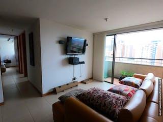 Una habitación de hotel con dos camas y un televisor en Apartamento en venta en Loma de los Bernal, 65m2 con Balcón.