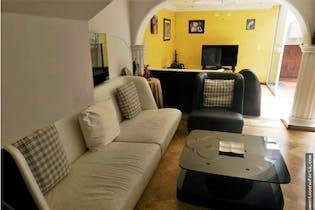 Casa en venta en El Portal con Piscina...