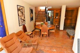 Casa en venta en Loma del Escobero, 170m2 con Patio