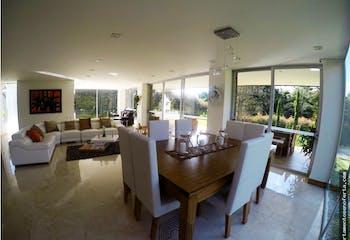 Casa en venta en Envigado con 4 habitaciones. con 1641mt2-Zonas húmedas