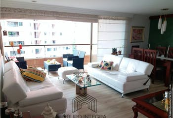 Apartamento en venta en Loma De Los Parra, Con 4 habitaciones.130mt2