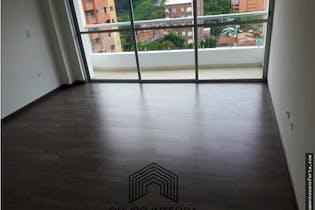 Casa en venta en Aves Maria,Sabaneta. Con 4 habitaciones-431mt2