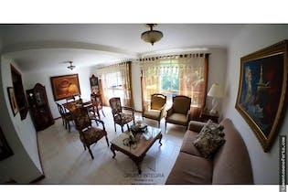 Casa en venta en La Abadia, Envigado, Con 4 habitaciones-200mt2