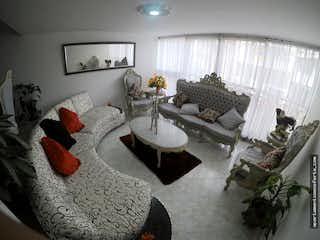 Una sala de estar llena de muebles y una ventana en Apartamento en venta en Simon Bolivar, Con 4 habitaciones-216mt2