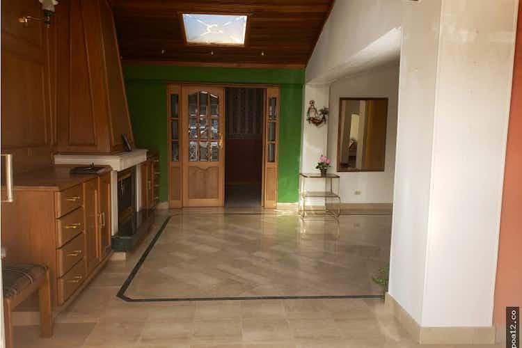 Portada Casa en venta en Batán, Con 3 habitaciones-220mt2