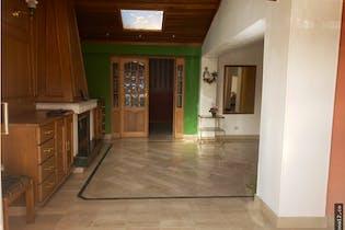 Casa en venta en Batán, Con 3 habitaciones-220mt2