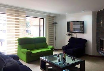 Apartamento En Venta En La Carolina de 3 Habitaciones, con chimenea