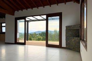 Finca Recreativa en V. Mampuesto, Rionegro - 420mt, cuatro alcobas, chimenea