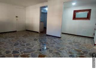 Un cuarto de baño con dos lavabos y una ducha en Apartamento en venta en Belen Centro de tres habitaciones