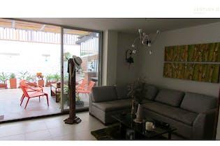 Casa en venta en Los Balsos de 2 niveles de 297m2.
