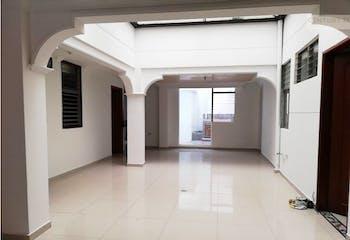 Apartamento en venta en Bolivariana de 5 hab.