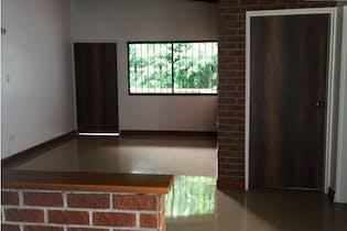 Casa en venta en Los Almendros de tres habitaciones