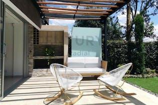 Casa en venta en Loma del Chocho de 260 mt2. con 3 niveles.