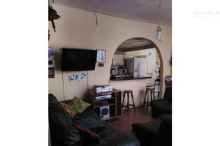 Casa en venta en barrio conquistadores, Con 4 habitaciones-250mt2