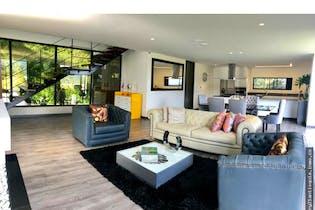 Casa en venta en Altos De Palmas, Con 3 habitaciones-340mt2