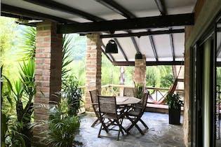 Casa en venta en Loma del Escobero de 3935 mt2. con terraza