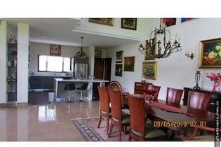 Casa en venta en Llanogrande de 1394 mt2. con 2 niveles