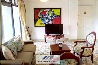 Apartamento en venta en Conquistadores de 4 hab. con Balcón...
