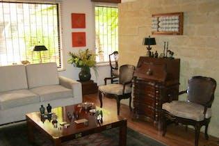 Apartamento en venta en Chicó Reservado, Bogotá de 184mtrs2 Con terraza y chimenea