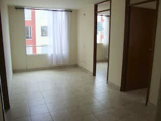 Un cuarto de baño con ducha y una ventana en Agrupacion Portal 183