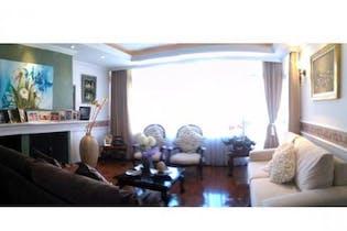 Apartamento en venta en La Castellana de 128 mt2. con chimenea
