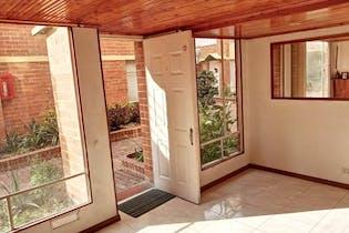 Casa En Venta En Portales del Norte de 72 mt2 con balcón