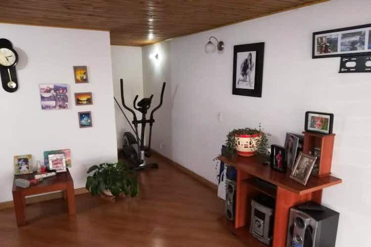 Portada Apartamento En Venta En Barrio Modelia de 75 mt2. duplex