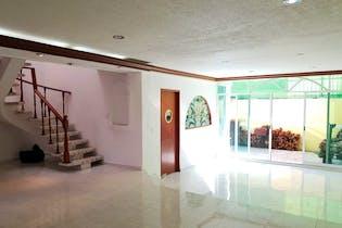Casa en venta en Campestre Coyoacán de 268 mt2. con 3 niveles.