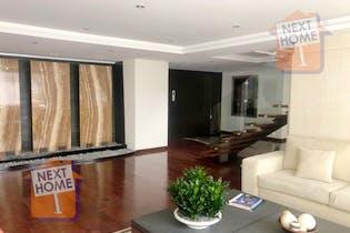 Departamento Duplex en venta en Lomas de Chapultepec con terraza privada.