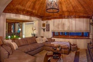 Casa en venta en Jardines del Pedregal de 700 mts de 2 niveles