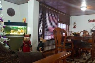 Casa en venta en Caobos Salazar de cuatro alcobas