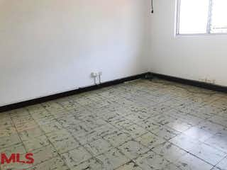 Un cuarto de baño con suelo de baldosa y un aseo en No aplica