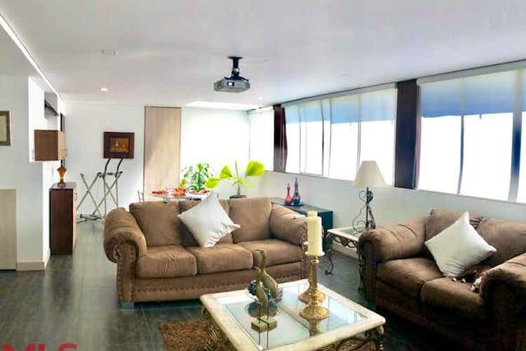 Portada Apartamento en Venta en Loma de los Parra con 207 mt