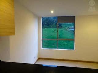 Una ventana que está abierta en una habitación en Apartamento en venta en Barrio de Jesus, 39mt