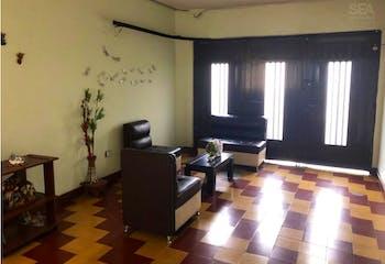 Casa en venta Alcalá, Con 4 habitaciones-de 352 m2