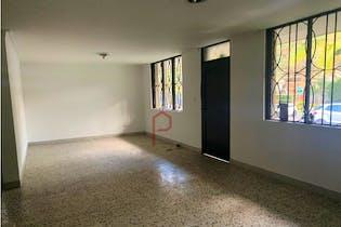 Casa en venta en Las Acacias de 160mts2, dos niveles